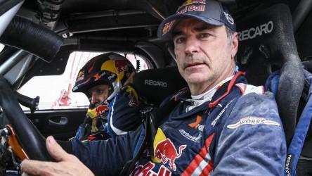 Carlos Sainz termina su Dakar más problemático con una victoria de etapa