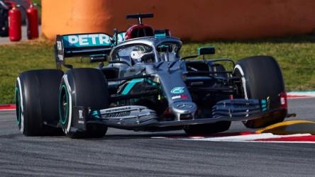 Bottas y Hamilton (Mercedes) lideran la última jornada de test en Montmeló