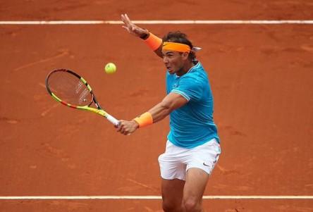 El sorteo de Roland Garros sonríe a Nadal y se ceba con Djokovic
