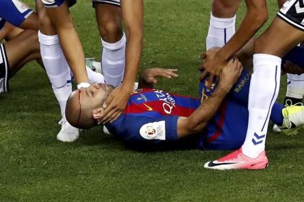 Mascherano, seis semanas de baja por una lesión en la rodilla derecha