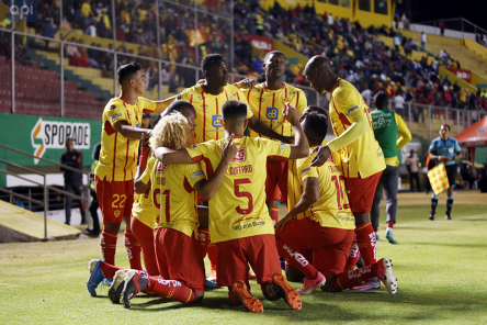 (3-0) Aucas sufre ante América, pero termina goleando