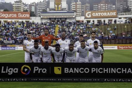 Erick Viveros renovó con el 'Rey de Copas'