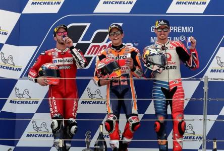 Márquez suma ocho victorias y pone el título a tiro