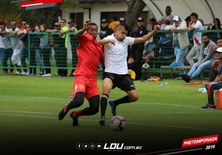 Liga de Quito y Aucas midieron fuerzas en amistoso