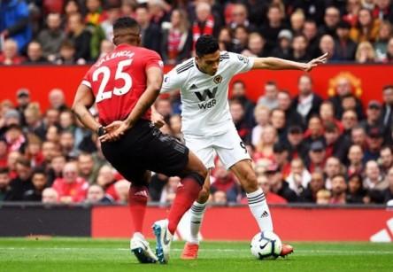 Antonio Valencia reapareció en empate del United
