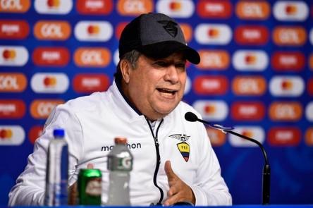 """'Bolillo': """"Todos los equipos tratan de marcar a Suárez, nosotros al balón"""""""
