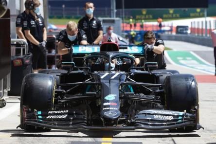 Mercedes espera resolver el problema de la caja de cambios