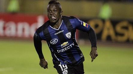Barcelona y Liga de Quito buscan al 'Tin' Angulo