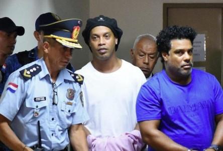 Revés judicial de Ronaldinho en acción para acogerse a salida abreviada