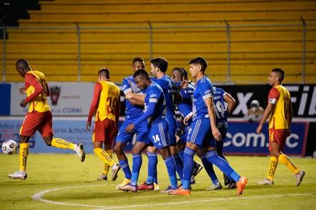 (2-3) Electrizante victoria azul en el Gonzalo Pozo Ripalda
