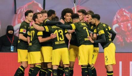Witsel da la victoria al Dortmund que mantiene su ventaja como líder