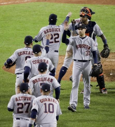 Las Grandes Ligas están investigando a los Astros