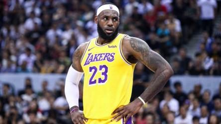 James entra en la polémica sobre China y los Rockets evitan pronunciarse