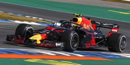 Verstappen logra el mejor crono en los Libres 2