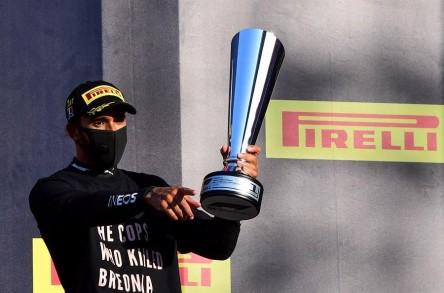Hamilton más líder tras lograr en Mugello su victoria 90 en F1