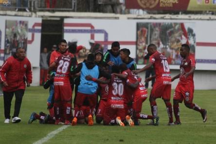 (2-2) El 'Ponchito' hace historia y clasifica a Copa Sudamericana