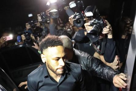 La Justicia rechaza petición para desarchivar caso de Neymar por violación