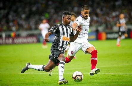 DT de Atlético Mineiro explicó ausencia de Cazares