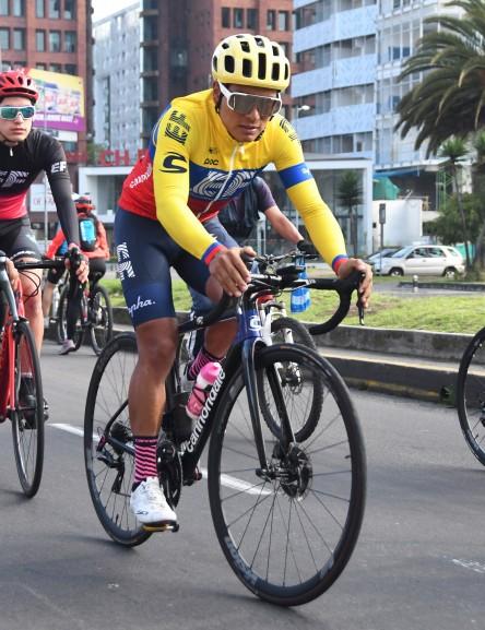 Higuita se exhibe, vence a Bernal y Alaphilippe y es nuevo líder en Colombia