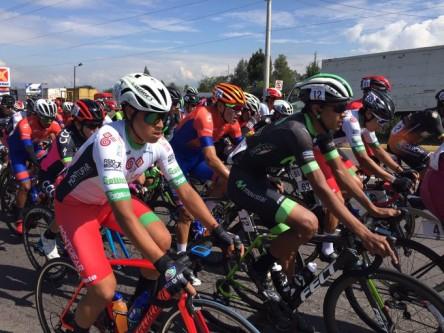 Cristian Tobar gana la quinta etapa de la Vuelta al Ecuador