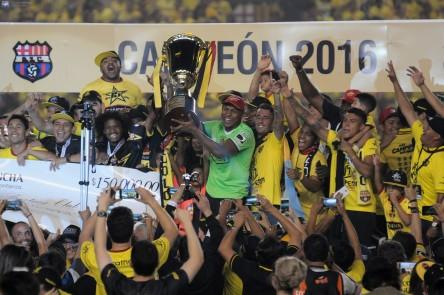 Juan Aurich sería el rival de Barcelona en la 'Noche Amarilla'
