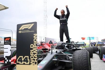 Lewis Hamilton da positivo para Covid-19