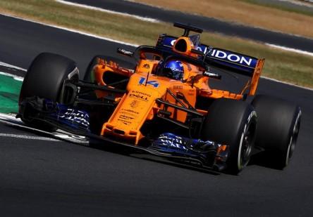 Alonso acaba en los puntos su GP número 200 y está a 21 de Schumacher