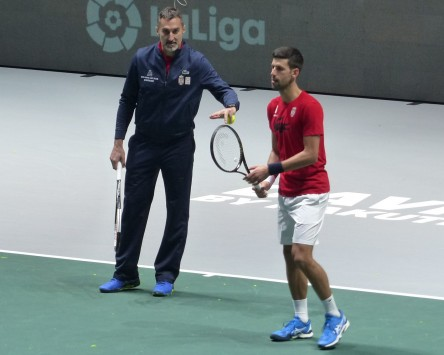 Zimonjic afirma que Djokovic está bien del codo que le molestó en Londres