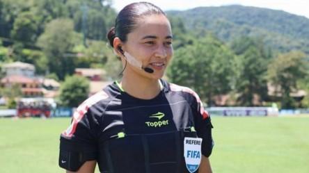 Una mujer vuelve a pitar un partido del Campeonato Brasileño 14 años después