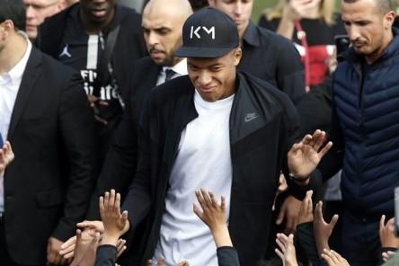 """Mbappé, el héroe """"bleu"""", regresa a sus orígenes humildes"""