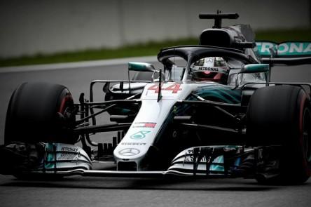 Hamilton gana en Interlagos y Mercedes festeja el Mundial de constructores