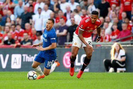 Con Antonio Valencia, Manchester United cayó en la final de la Copa FA