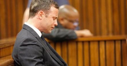 Pistorius sale de prisión para asistir al funeral de su abuelo en Sudáfrica