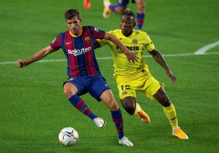Barcelona golea al Villarreal de Estupiñán