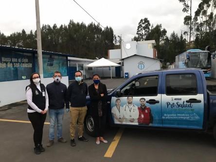 Macará recibe en su residencia a médicos del país (TWEET)