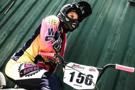 Doménica Azuero se abre paso con su BMX