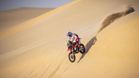 Sanz apoya que el Dakar siga en Arabia pero echó de menos calor de la afición
