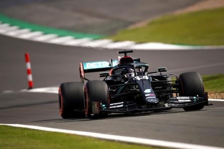 Pinchazos en Silverstone hacen que Pirelli abra investigación