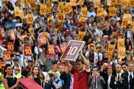 """Totti se despide del Roma: """"Ahora tengo miedo, esta vez los necesitaré yo"""""""