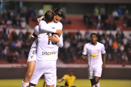 Veintidós clubes luchan por últimos once cupos para completar la segunda fase