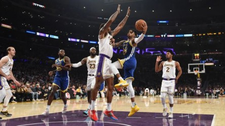 Los Lakers, con James, arrollan a los Warriors (Resumen)