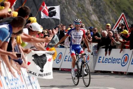Pinot entra en la leyenda del Tourmalet, donde se hunden Mas y Quintana