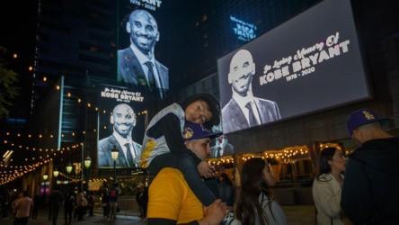 Latinos de Los Ángeles lloran la muerte de Kobe como la de un familiar