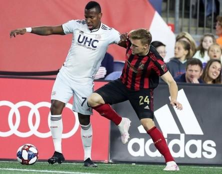 Penilla se lució con un golazo en la MLS