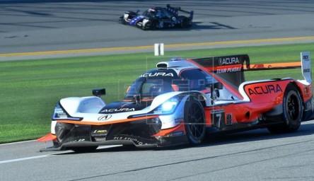 El equipo Konica Minolta gana y bate el récord de las 24 Horas de Daytona
