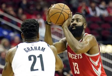 Nuevas exhibiciones encestadoras de Harden y Curry; Bucks tienen mejor marca (Resumen)
