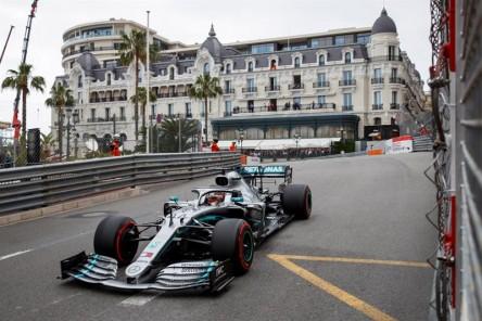Hamilton y Bottas se distancian en los Libres 2