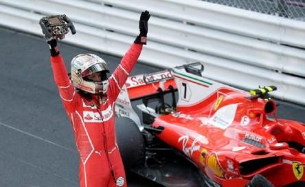"""Vettel espera que vayan """"más rápidos"""" con los neumáticos hiperblandos"""