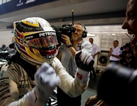 """Hamilton: """"Ha sido desafortunado para Ferrari, para nosotros una suerte"""""""