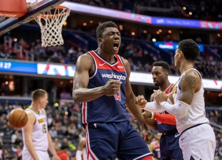 Mavericks y Hawks, eliminados de playoffs, derrotan a Warriors y Sixers (Resumen)